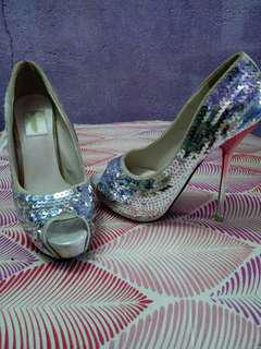Special occasion high heeled doll shoes new