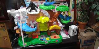Biggest Fisher Price Zoo free 3 animal figures