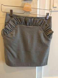 BRAND NEW H&M size 6 mini skirt