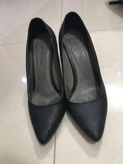 Sepatu prima classe