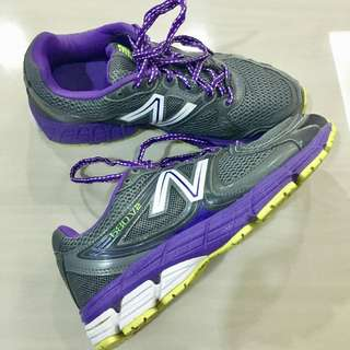 New Balance Sport Shoes For Woman