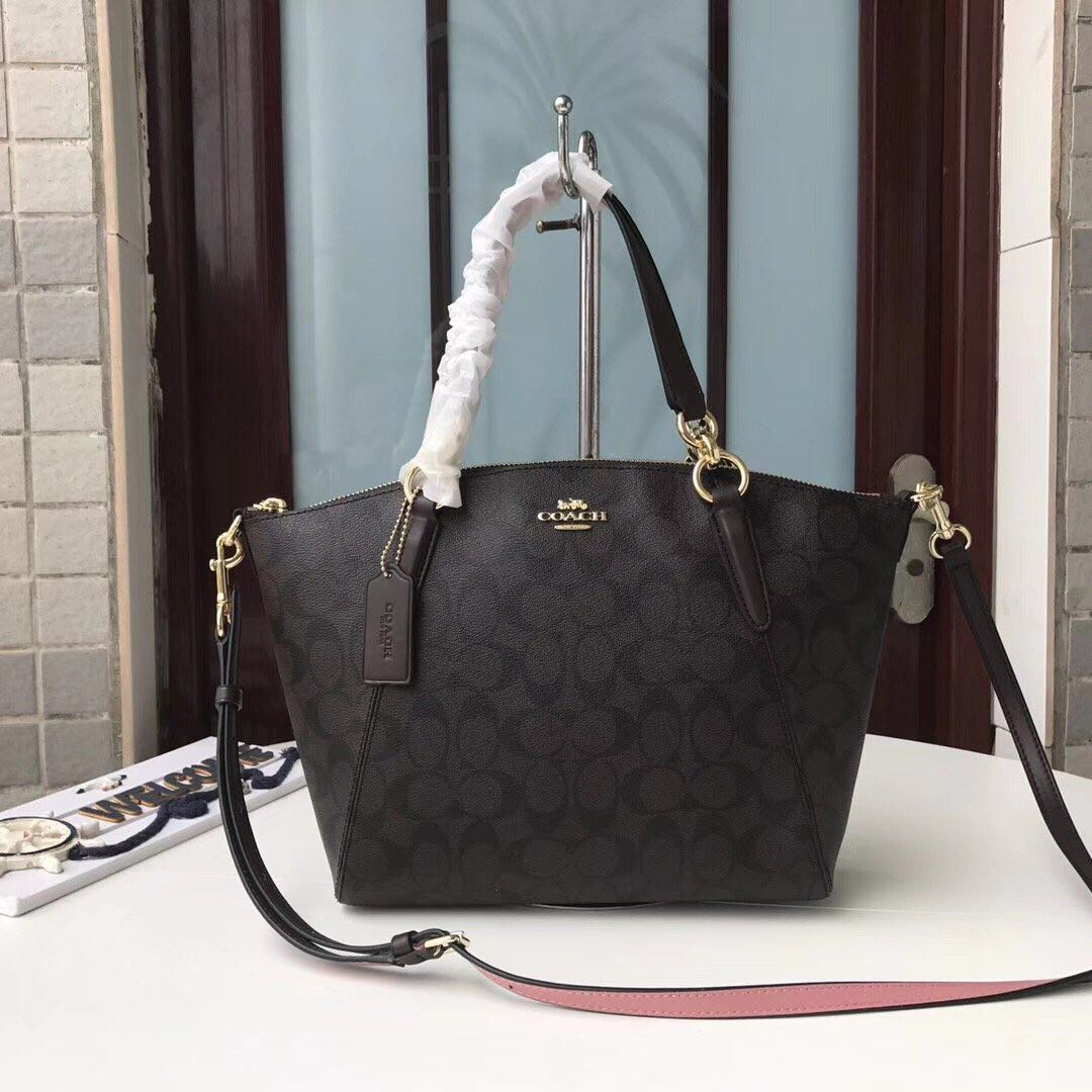 93bf8230f4bc5 Coach small kelsey in signature canvas