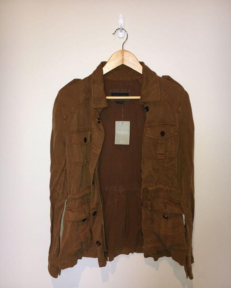 jacket//NEED GONE ASAP
