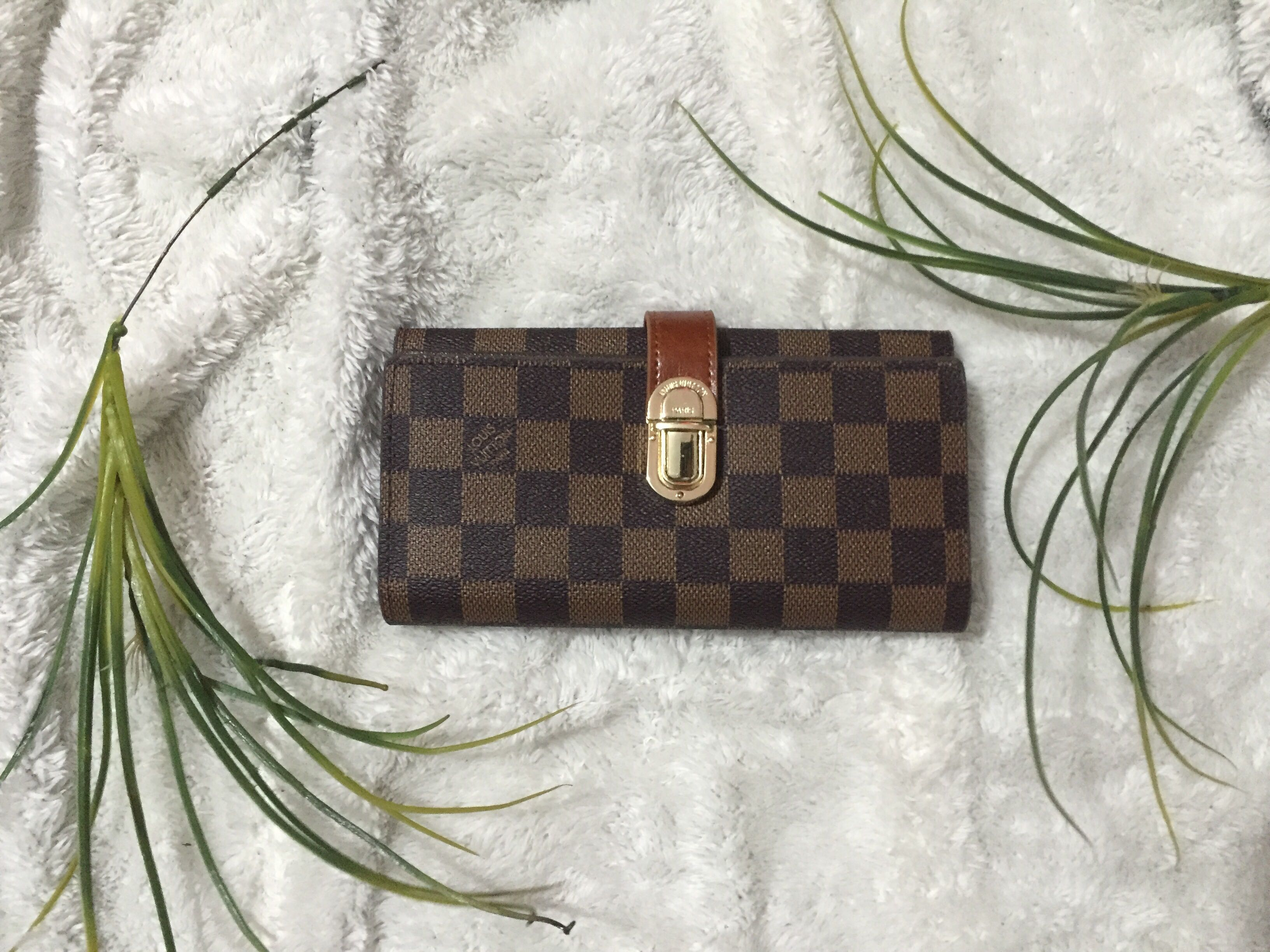 Louis Vuitton Long Wallet (FREE SHIPPING), Preloved Women s Fashion ... 92f4b0251b