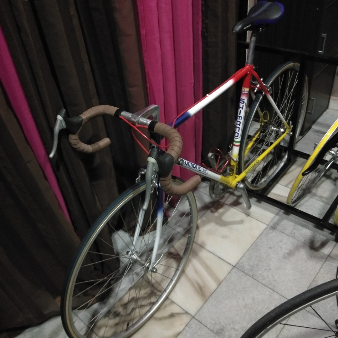 4c6d86e9a95 Roadbike Vintage Retro Classic, Sports, Bicycles on Carousell