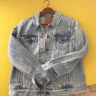 BNWT levi denim jacket size large