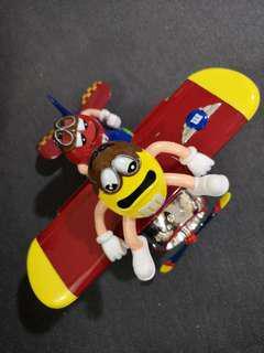 M&M's plane