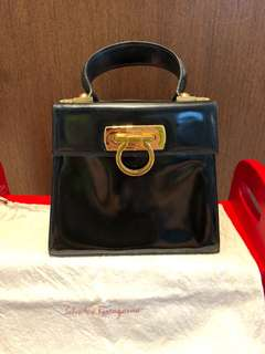 f05f01c9bd Authentic vintage Salvatore Ferragamo handbag