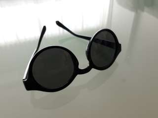 NEW! H&M Black Sunglasses ❤ Trendy & Edgy