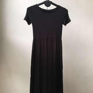 Black Short-sleeve Maxi Dress w/ Slits