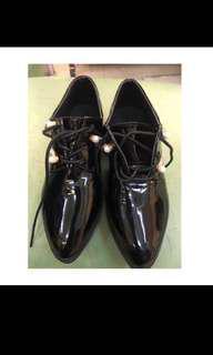 Sepatu docmart impor
