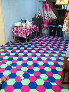 Room for rent/bed spacer for girls