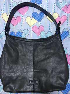 authentic kenneth cole reaction bag