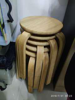 新淨桌和椅