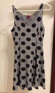 H&M Divided 女裝夏季灰色無袖黑波點dot pattern dress/one piece連衣裙加小XS (適合個子小女生)