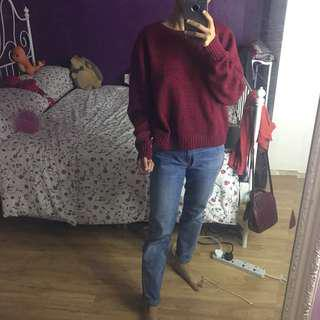 Knitted maroon sweater