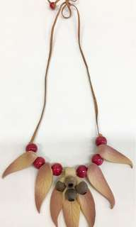 Gum Nuts & Gum Leaves Necklace