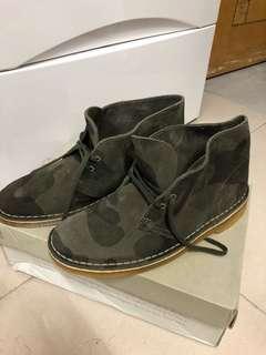 全🆕Clarks 迷彩猄皮鞋EU40
