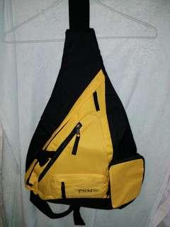 黑黃色斜肩袋