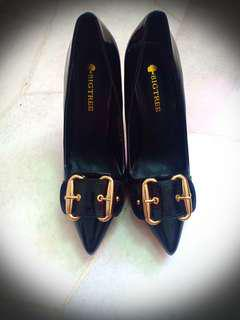 Reduce price High Heels Brand new