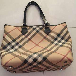 🚚 Authentic Burberry nova tote (large)
