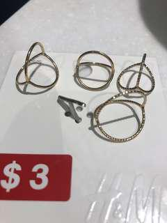 Triangle rings - H&M