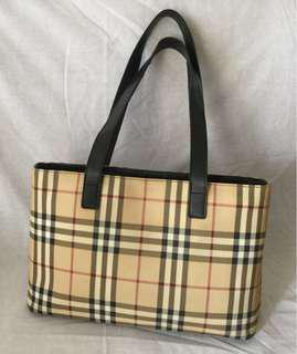 Authentic Genuine Zipped Nova Burberry Tote Bag
