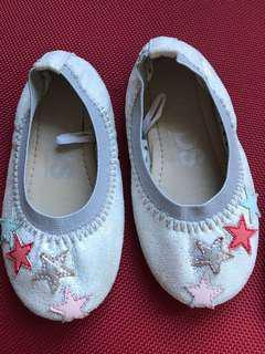 Sepatu anak cotton on