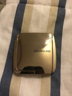 Authentic Hourglass Ambient Lighting Blush in Dim Infusion