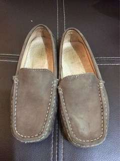Authentic Florsheim brown loafers/shoes (free shipping)