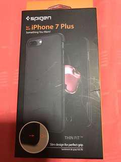 Iphone 7 plus spigen. Slim fit
