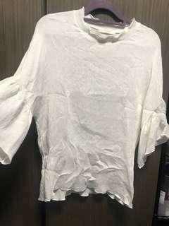 韓貨白色喇叭袖上衣