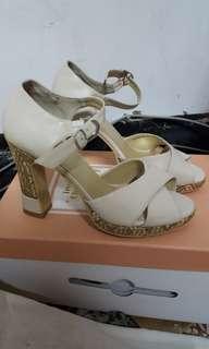 🚚 專櫃beso超美涼鞋