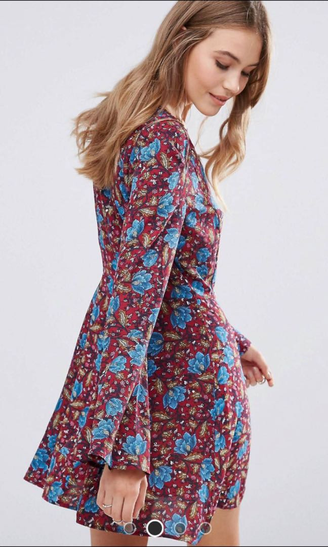 5844981dfb ASOS Boohoo Floral Bell Sleeved Dress, Women's Fashion, Clothes ...