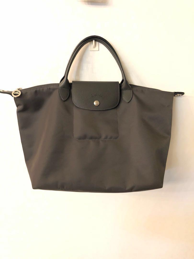 buy popular 1b3b5 b6317 Authentic Longchamp Le Pliage Neo Medium, Women s Fashion, Bags ...