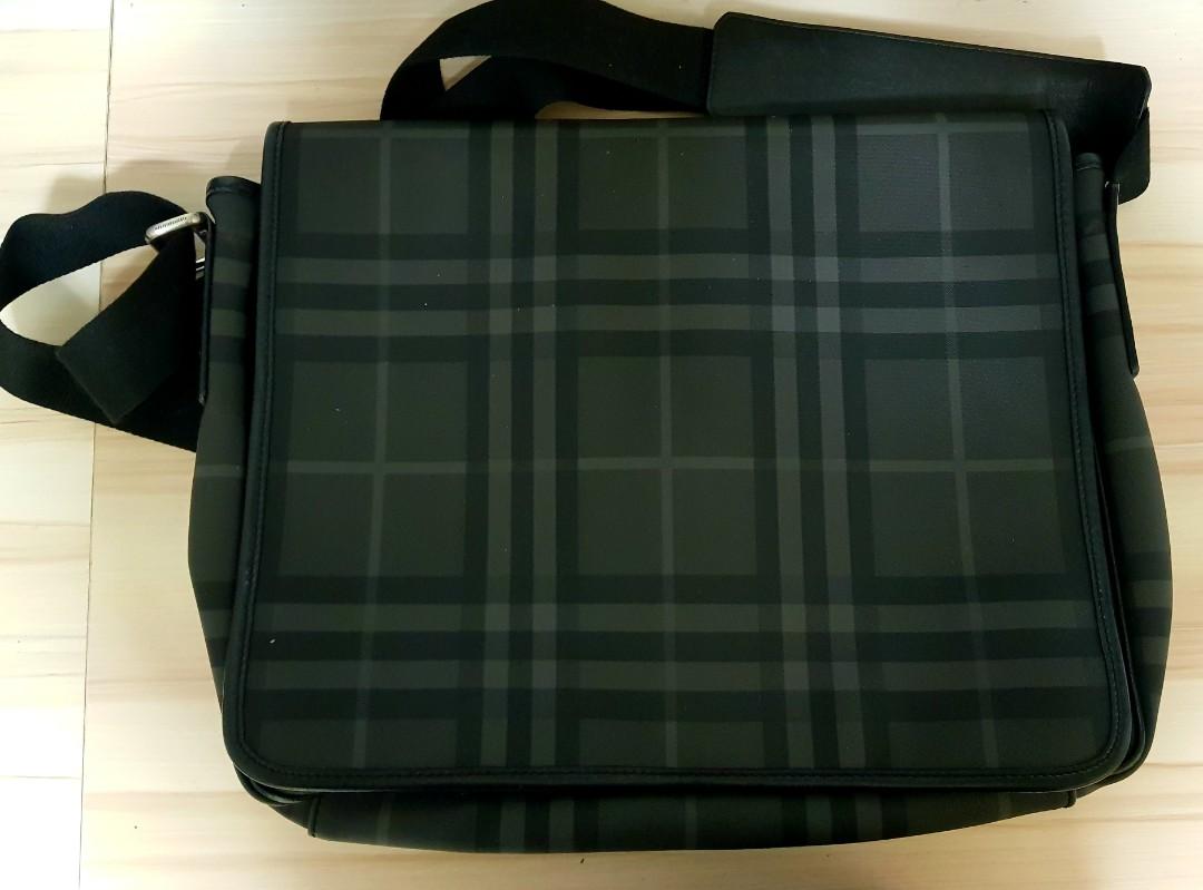 2edd32a249 Burberry男裝皮革斜揹袋Burberry   Nova Check Plaid Black and Gray ...