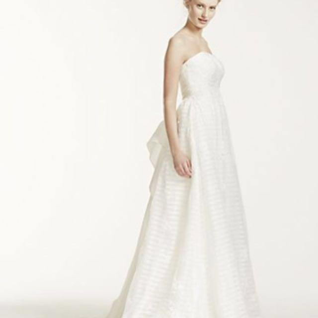 David's Bridal Lace Wedding Gown