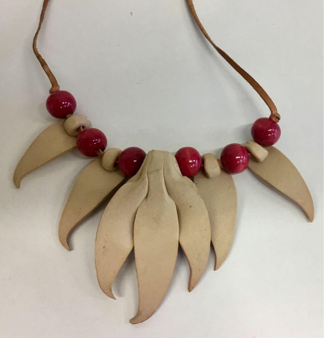 Gum Nuts & Gum Leaves Necklace