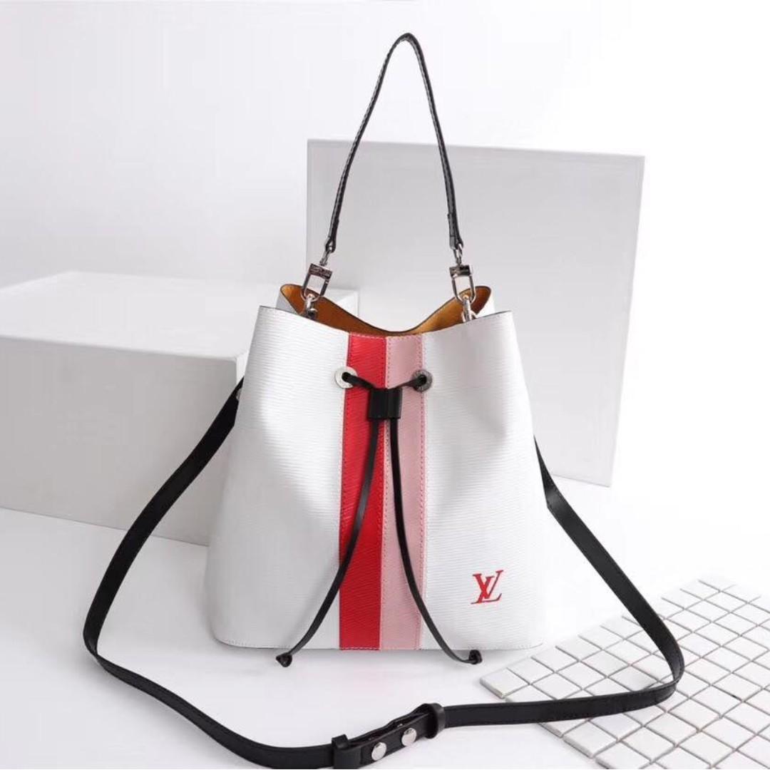 0eb7475d6d LV Tote Shoulders Bag Lockme Bucket Neonoe, Women's Fashion, Bags ...