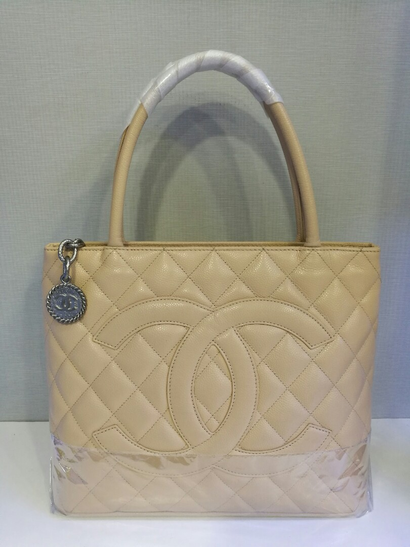 Preloved Authentic Chanel Medallion Tote 2d5458fb48ad4