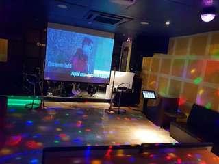 Karaoke partner wanted