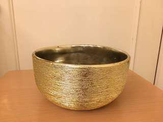 金色圓形花盆