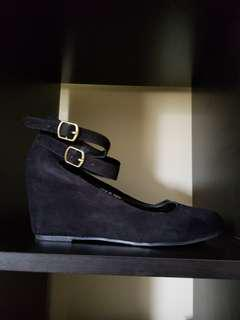 Super Cute Mary Jane Shoes*Wedges