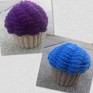 Crochet cupcake storage container