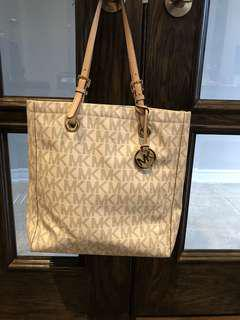 Michael Kors Signature Bag (Mint condition)