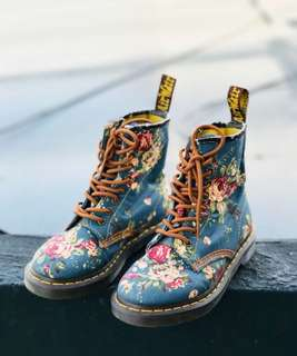 Dr Martens Victorian Boots