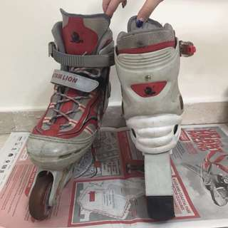 Adult roller blade in red