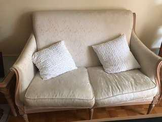 WHITE VINTAGE COUCH