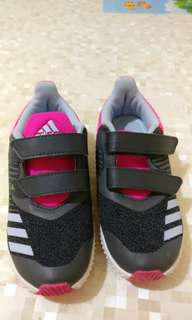 Addidas 波鞋