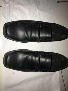 Sepatu kerja SmartFit